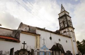 igreja_e_cemiterio_do_carmo