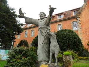 estatua_e_o_colégio_são_josé