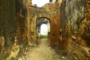 corredor_e_arcos_nas_ruínas_de_são_bento