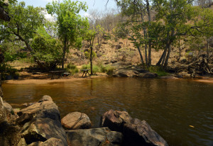 poço da cachoeira de taquaruçu