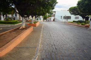 praça e avenida em brasília de minas