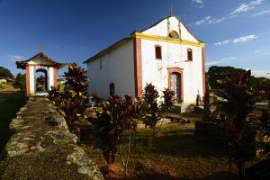 igreja e campanário em desemboque